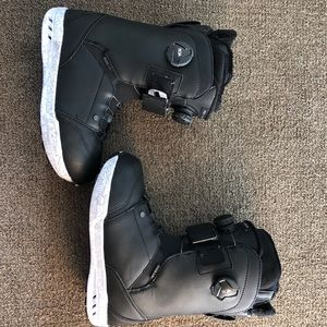 Ride Women's Snowboard Boots Size 9